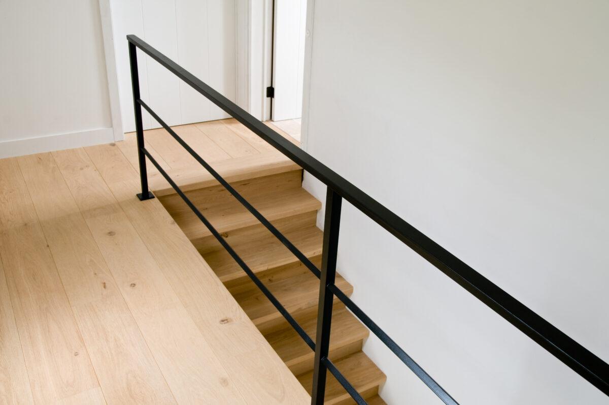 Zwarte Stalen Trapleuning : Trapleuning of balustrade voor uw trap traprenovatie door trap